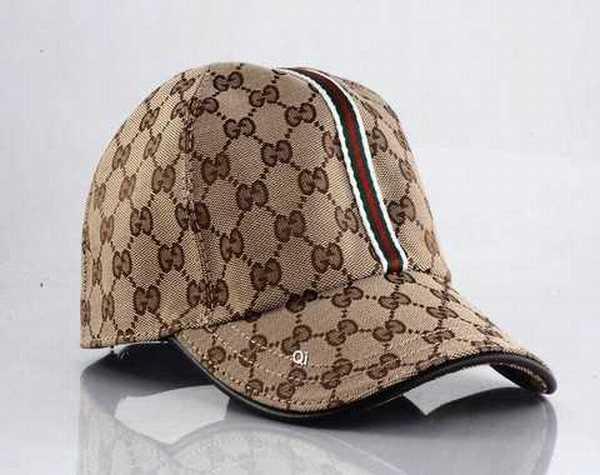 622f4ed1f31 bonnet et echarpe gucci